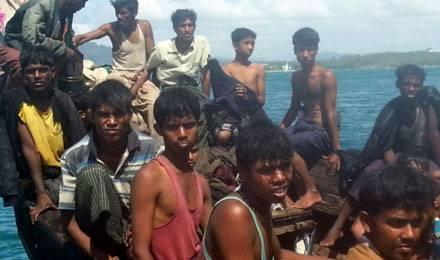 Des réfugiés rohingyas interceptés à Phuket, le 1er janvier dernier © AP / SIPA