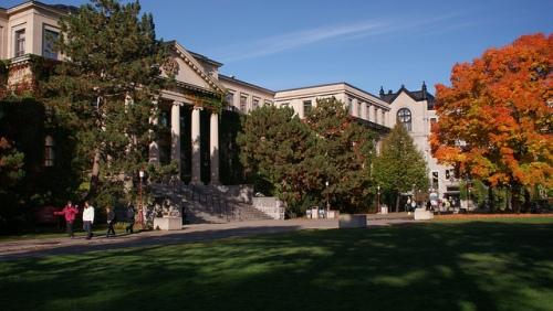 Université d'Ottawa © lezumbalaberenjena sur Flickr